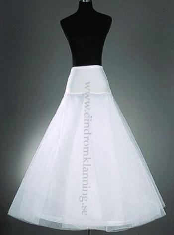 11 Underkjol till brudklänning i tyll med en ring nertill A-formad underkjol